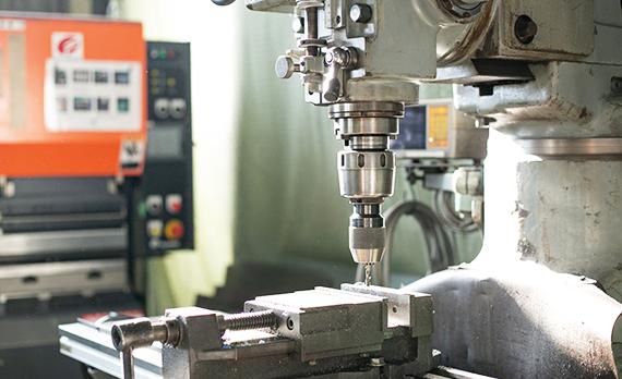 産業用ロボットの企画・設計・製造 アイズロボ株式会社 スピーディで質の高い生産体制構築を目指して