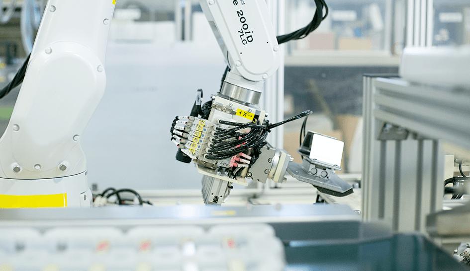 産業用ロボットの企画・設計・製造 アイズロボ株式会社 ロボットを導入して得られるものとは!?