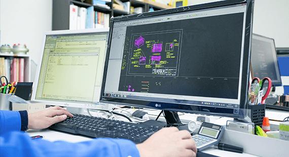 産業用ロボットの企画・設計・製造 アイズロボ株式会社 設計