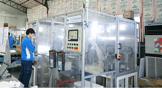 産業用ロボットの企画・設計・製造 アイズロボ株式会社 ティーチング・試運転